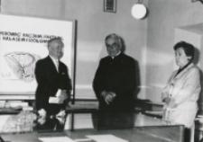 Akademia poświęcona prof. Pigoniowi, maj 1969: od lewej prof. Cz. Zgorzelski, ks. prof. W. Granat - rektor KUL, córka prof. Pigonia