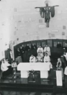 Kongres Polskich Teologów 21-23 wrzesień 1971 : mszę św. celebruje ks. bp. Piotr Kałwa