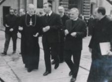 Seminarium Sztuki Kościelnej, wrzesień 1971 : o. rektor Krąpiec z ks. bp. Obłąkiem