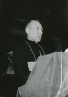 Z pobytu J. E. ks. Stefana kardynała Wyszyńskiego - Prymasa Polski na KUL-u - 15.V.1964 r. : ks. prymas w czasie przemówienia