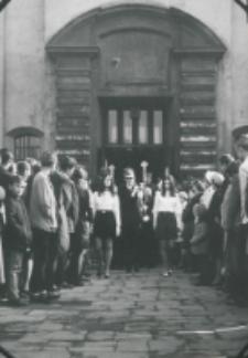 Inauguracja roku akademickiego 1971/72, 24.X : poczet sztandarowy
