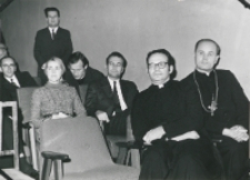 Inauguracja roku akademickiego 1971/72, 24.X : od lewej: przedstawiciele ambasad, ks. rektor Ziemba, ks. bp. B. Pylak