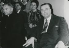 Z pobytu J. E. ks. Stefana kardynała Wyszyńskiego - Prymasa Polski na KUL-u - 15.V.1964 r. : zasłuchana była równiez wypełniona po brzegi aula Uniwersytetu