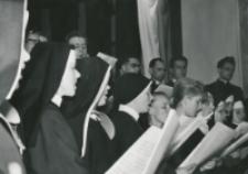Z pobytu J. E. ks. Stefana kardynała Wyszyńskiego - Prymasa Polski na KUL-u - 15.V.1964 r. : Chór Muzykologii