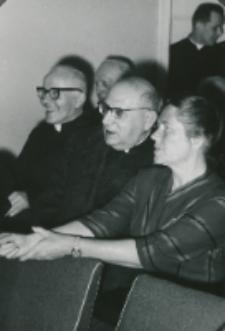 Z pobytu J. E. ks. Stefana kardynała Wyszyńskiego - Prymasa Polski na KUL-u - 15.V.1964 r. : ks. prymas w czasie swego przemówienia włączał od czasu do czasu dowcipne uwagi