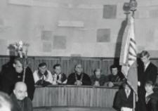 Inauguracja roku akad. 1970/71 : Senat Akademicki KUL w kościele.