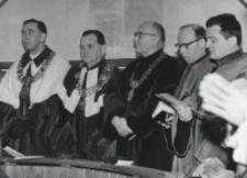 Inauguracja roku akad. 1970/71 : rektor - o. prof. M. A. Krąpiec, prorektor - prof. S. Papierkowski, ks. prof. S. Kamiński - dziekan Wydz. Filoz. Chrześcij., ks. doc. S. Witek - prodziekan Wydz. Teolog., doc. R. Bender - prodziekan Wydz. Nauk. Human.