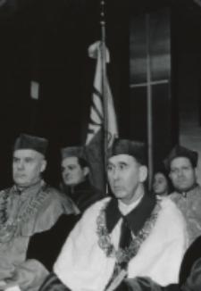 Inauguracja roku akad. 1970/71 : po lewej stronie o. rektora siedzi dziekan Wydz. Teolog. - ks. prof. Poplatek.