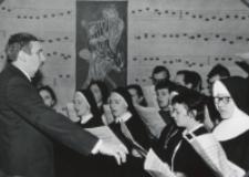 Inauguracja roku akad. 1970/71 : chór muzykologii KUL.