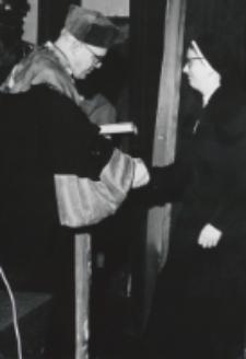 Immatrykulacja studentów I roku, październik 1970 : jeszcze nagrody za prace seminaryjne.