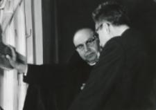 Sympozjum Prawa Naturalnego, 10.IV.1969 r. : w przerwie również rozmowy naukowe.
