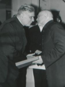 35 lat pracy ks. prof. J. Pastuszki na KUL : podziękowania jubilata i jubilatowi.