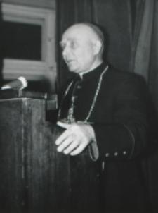 Uroczystość na KUL-u 50-lecia kapłaństwa ks. bpa Piotra Kałwy, 1969 r. : przemawia Jubilat.