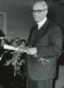 Ks. Prof. A. Rahner na KUL - 1970 r. : Przed odczytem.
