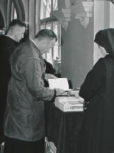 Wykłady dla duchowieństwa 1970 r. : w czasie przerwy można zapoznać się z nowościami wydawniczymi