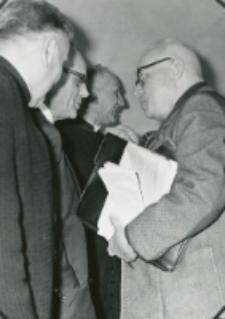 Ks. Prof. A. Rahner na KUL - 1970 r. : W rozmowie z prof. Paszewskim.