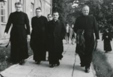 Ks. Arcybp A. Kozłowiecki na KULu : W gronie OO. jezuitów.