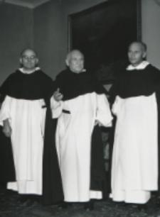 O. A. Fernandez przełożony generalny oo. dominikanów na KULu (wrzesień - 1970) : Trzej dominikanie.