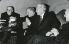 Prof. Leo Gabriel, przewodniczący II Filozoficznego Instytutu Uniwersytetu Wiedeńskiego, na KUL-u 1970 r. : najlepiej się dyskutuje podczas posiłków.