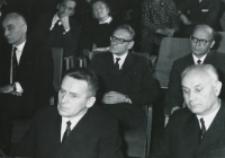 Inauguracja roku akad. 1969/70 : przedstawiciele władz państwowych i wyższych uczelni.