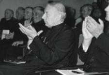 Wykłady dla duchowieństwa w latach 1965-1969 : Oklaski za rzeczowe głosy w dyskusji