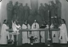50-lecie Koła Polonistów Studentów KUL 1970 r. : nabożeństwo w kościele akademickim