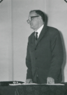 50-lecie Koła Polonistów Studentów KUL 1970 r. : przemawia były prezes mgr Jan Wiśliński - wicedyrektor Biblioteki