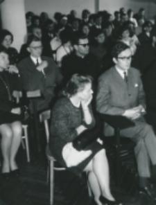 50-lecie Koła Polonistów Studentów KUL 1970 r. : w pierwszym rzędzie drugi od lewej mgr Jerzy Cieszkowski