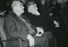 Ogólnopolskie Seminarium Studenckich Kół Naukowych Historyków 1969 r. : dostojni goście: prorektor Z. Papierkowski i rektor ks. W. Granat