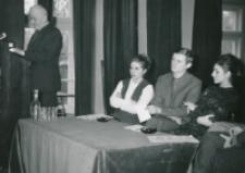 Ogólnopolskie Seminarium Studenckich Kół Naukowych Historyków 1969 r. : seminarium otworzył prof. Andrzej Wojtkowski