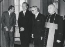 Inauguracja roku akademickiego 1971/72, 24.X : 2-gi od lewej: prof. Z. Sułowski, 3-ci: ambasador Francji A. Jordan, 4-ty: ks. bp P. Kałwa