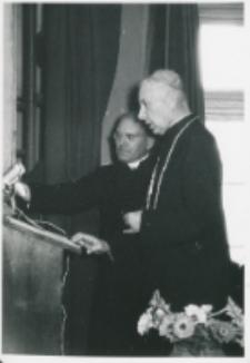 Sobór Watykański II, 23-25.VIII.1961 : w czasie przemówienia ks. prymasa