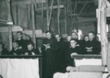 Ethos polskiego charakteru, 27-29. VIII. 1964 : wnętrze kościoła akademickiego jest w trakcie kapitalnego remontu