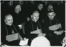 Ethos polskiego charakteru, 27-29. VIII. 1964 : przewielebni księża biskupi: (od lewej) Piotr Kałwa, Karol Wojtyła, Jan Mazur