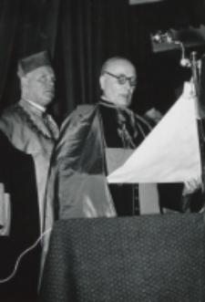 Odczytana przez Wielkiego Kanclerza KUL decyzja o nadaniu doktoratów...[ujęcie 2]