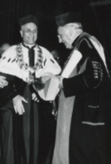 Pierwsze gratulacje Ks. Rektora KUL J. E. Ks. Bp. H. M. van Waeyenberghowi