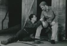 """Teatr Akademicki KUL : """"Moc i chwała"""" G. Greene'a : Metys i ksiądz - scena w lesie"""