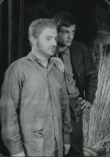 """Teatr Akademicki KUL : """"Moc i chwała"""" G. Greene'a : [scena] aresztowanie księdza"""
