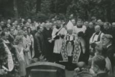 Modły przy grobach rektorów, prof., pracowników i wychow. KUL.