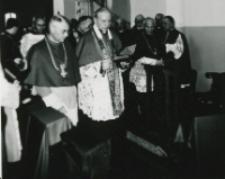Uroczysta msza św. w Kościele Akadem. : na zdjęciu Ks. Kardynał Stefan Wyszyński.
