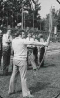 I konkurencja - strzelanie z łuku : pewne ustawienie, strzał i ... III miejsce prof. dr W. Sitko.