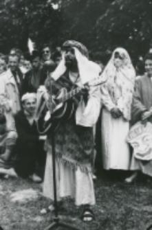 """Juwenalia KULowskie [1958/59] : dużą popularnością cieszył się występ """"Beduina""""."""