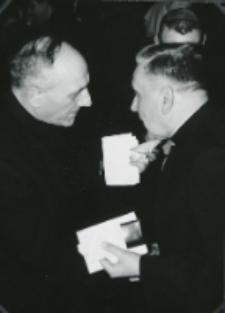 Opłatek na KUL 14. XII. 1966 - Składanie życzeń. W Granat, Ks. Prof. Rechowicy