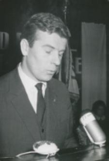 Inauguracja roku akademickiego 1965/1966 : w imieniu młodzieży przemawia prezes ZSP A. Wierzbicki