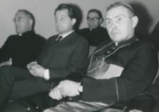 Inauguracja roku akademickiego 1965/66 : przedstawiciel Urzędu do Spraw Wyznań (w środku)