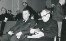 Opłatek na KUL - grudzień 1965 r. : w oczekiwaniu na rozpoczęcie uroczystości opłatkowej