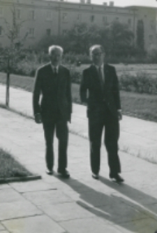 Pobyt prof. A. Joberta na KUL - 4.X.1965 r. : prof. Jobert zwiedza KUL