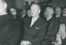 Pracownicy Uniwersytetu - na pierwszym planie Prof. Dr Cz. Zgorzelski - za nim Redaktor K. Turowski - Dyr. Wydaw. Nauk. KUL.