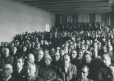 [Program uroczystości zakończony został wykładem inauguracyjnym wygłoszonym przez Ks. doc. Edwarda Kopcia - a wysłuchanym ...] z dużym zainteresowaniem.