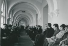 [Program uroczystości zakończony został wykładem inauguracyjnym wygłoszonym przez Ks. doc. Edwarda Kopcia - a wysłuchanym z dużym zainteresowaniem przez słuchaczy zgromadzonych w auli ...] ... oraz na zradiofonizowanym holu..